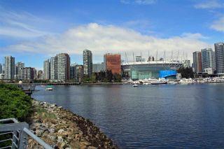 "Photo 15: 510 1633 ONTARIO Street in Vancouver: False Creek Condo for sale in ""KAYAK"" (Vancouver West)  : MLS®# R2216278"