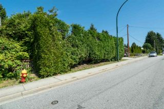 Photo 14: 701 ALDERSON Avenue in Coquitlam: Coquitlam West House for sale : MLS®# R2523510
