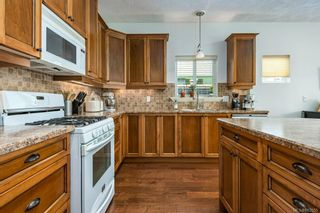 Photo 13: 2043 Evans Pl in Courtenay: CV Courtenay East House for sale (Comox Valley)  : MLS®# 882555