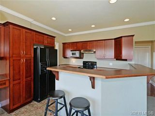 Photo 8: 2546 Crystalview Dr in VICTORIA: La Atkins House for sale (Langford)  : MLS®# 715780