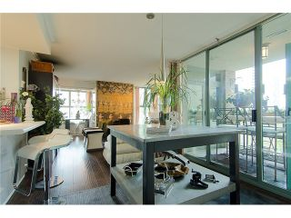 Photo 5: 402 1159 MAIN Street in Vancouver: Mount Pleasant VE Condo for sale (Vancouver East)  : MLS®# V944740