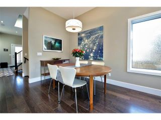 Photo 11: 931 33 Street NW in Calgary: Parkdale House for sale : MLS®# C4003919