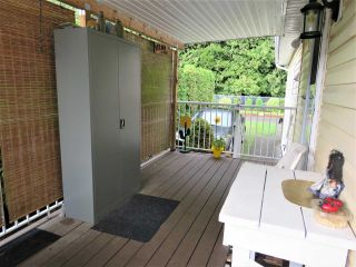 """Photo 19: 61 5742 UNSWORTH Road in Sardis: Vedder S Watson-Promontory Manufactured Home for sale in """"Cedar Grove"""" : MLS®# R2405974"""
