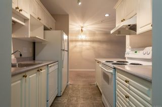 Photo 3: 222 155 Erickson Rd in : CR Willow Point Condo for sale (Campbell River)  : MLS®# 861542