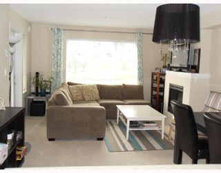"""Photo 3: 204 4783 DAWSON Street in Burnaby: Brentwood Park Condo for sale in """"COLLAGE"""" (Burnaby North)  : MLS®# V808325"""