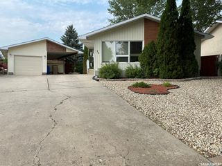 Main Photo: 88 Dryburgh Crescent in Regina: Walsh Acres Residential for sale : MLS®# SK874171