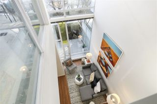 "Photo 7: 112 DUNSMUIR Street in Vancouver: Downtown VW Townhouse for sale in ""Spectrum 4"" (Vancouver West)  : MLS®# R2437895"