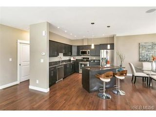 Photo 10: 3 2319 Chilco Rd in VICTORIA: VR Six Mile Row/Townhouse for sale (View Royal)  : MLS®# 728058