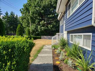 """Photo 2: 9748 117B Street in Surrey: Royal Heights House for sale in """"Royal Heights"""" (North Surrey)  : MLS®# R2603674"""