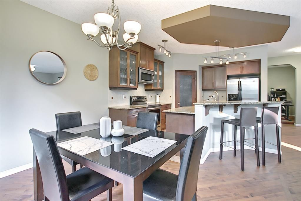 Photo 6: Photos: 14 ASPEN HILLS Manor SW in Calgary: Aspen Woods Detached for sale : MLS®# A1116032