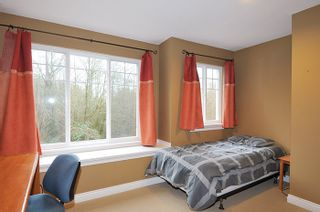 """Photo 14: 11735 GILLAND Loop in Maple Ridge: Cottonwood MR House for sale in """"RICHMOND HILL"""" : MLS®# R2027944"""