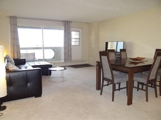 Photo 5: 1806 221 6 Avenue SE in Calgary: Downtown Commercial Core Apartment for sale : MLS®# C4239500