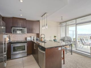 "Photo 6: 2501 888 CARNARVON Street in New Westminster: Downtown NW Condo for sale in ""MARINUS"" : MLS®# R2115352"