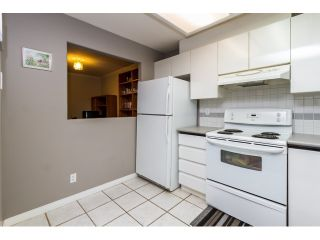 """Photo 9: 212 2357 WHYTE Avenue in Port Coquitlam: Central Pt Coquitlam Condo for sale in """"RIVERSIDE PLACE"""" : MLS®# R2043083"""