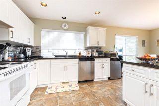 Photo 5: 3313 RAKANNA Place in Coquitlam: Hockaday House for sale : MLS®# R2147464