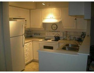 """Photo 4: 106 7038 21ST Avenue in Burnaby: Middlegate BS Townhouse for sale in """"THE ASHBURY"""" (Burnaby South)  : MLS®# V631772"""