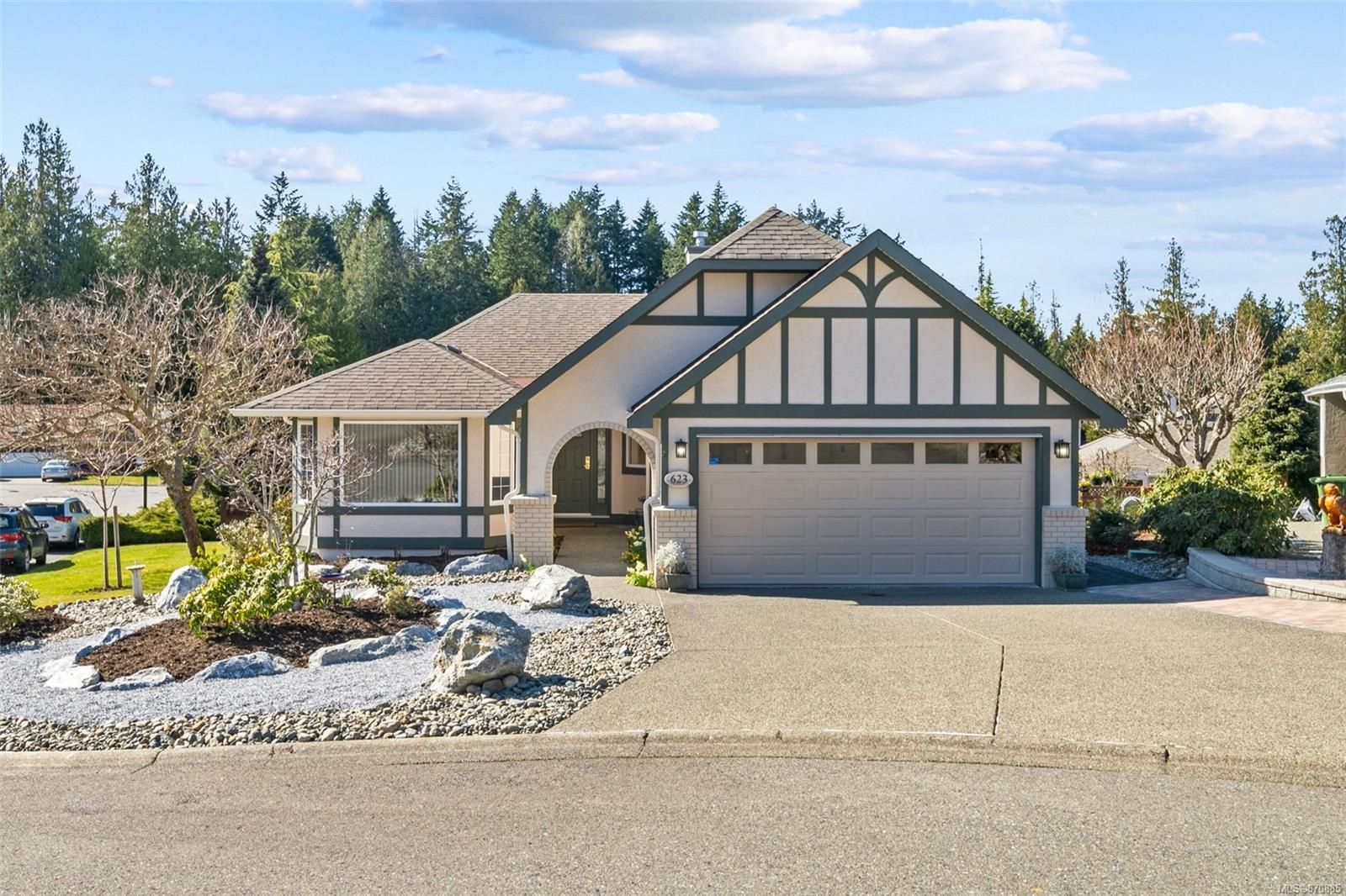 Immaculate rancher style home on a sunny corner lot in beautiful Arbutus Ridge