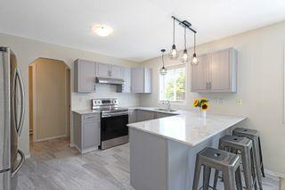 Photo 5: 527 Deerwood Pl in : CV Comox (Town of) House for sale (Comox Valley)  : MLS®# 880114