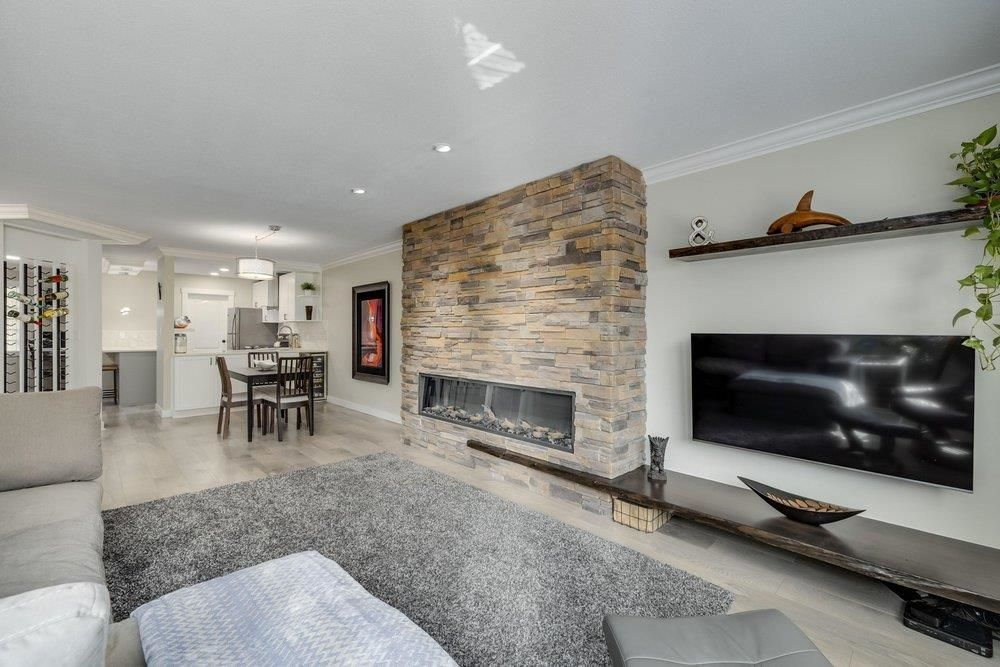 """Main Photo: 2G 1400 GEORGE Street: White Rock Condo for sale in """"GEORGIAN PLACE"""" (South Surrey White Rock)  : MLS®# R2621724"""