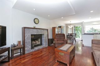 Photo 1: 155 W 20TH Street in North Vancouver: Central Lonsdale Townhouse for sale : MLS®# R2187560