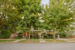 """Photo 2: 3 1135 BARCLAY Street in Vancouver: West End VW Townhouse for sale in """"Barclay Estates"""" (Vancouver West)  : MLS®# R2204375"""