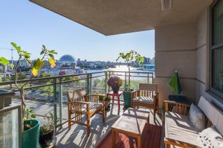 """Photo 6: 801 1088 QUEBEC Street in Vancouver: Mount Pleasant VE Condo for sale in """"The Viceroy"""" (Vancouver East)  : MLS®# R2206969"""