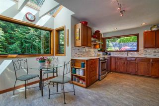 "Photo 11: 5932 SANDY HOOK Road in Sechelt: Sechelt District House for sale in ""SANDY HOOK"" (Sunshine Coast)  : MLS®# R2576016"