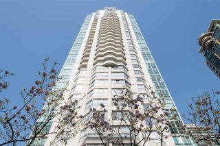 """Photo 2: 1102 717 JERVIS Street in Vancouver: West End VW Condo for sale in """"EMERALD WEST"""" (Vancouver West)  : MLS®# R2262290"""