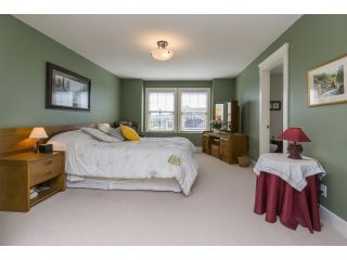 """Photo 12: 5915 164TH Street in Surrey: Cloverdale BC House for sale in """"WEST CLOVERDALE"""" (Cloverdale)  : MLS®# F1439520"""