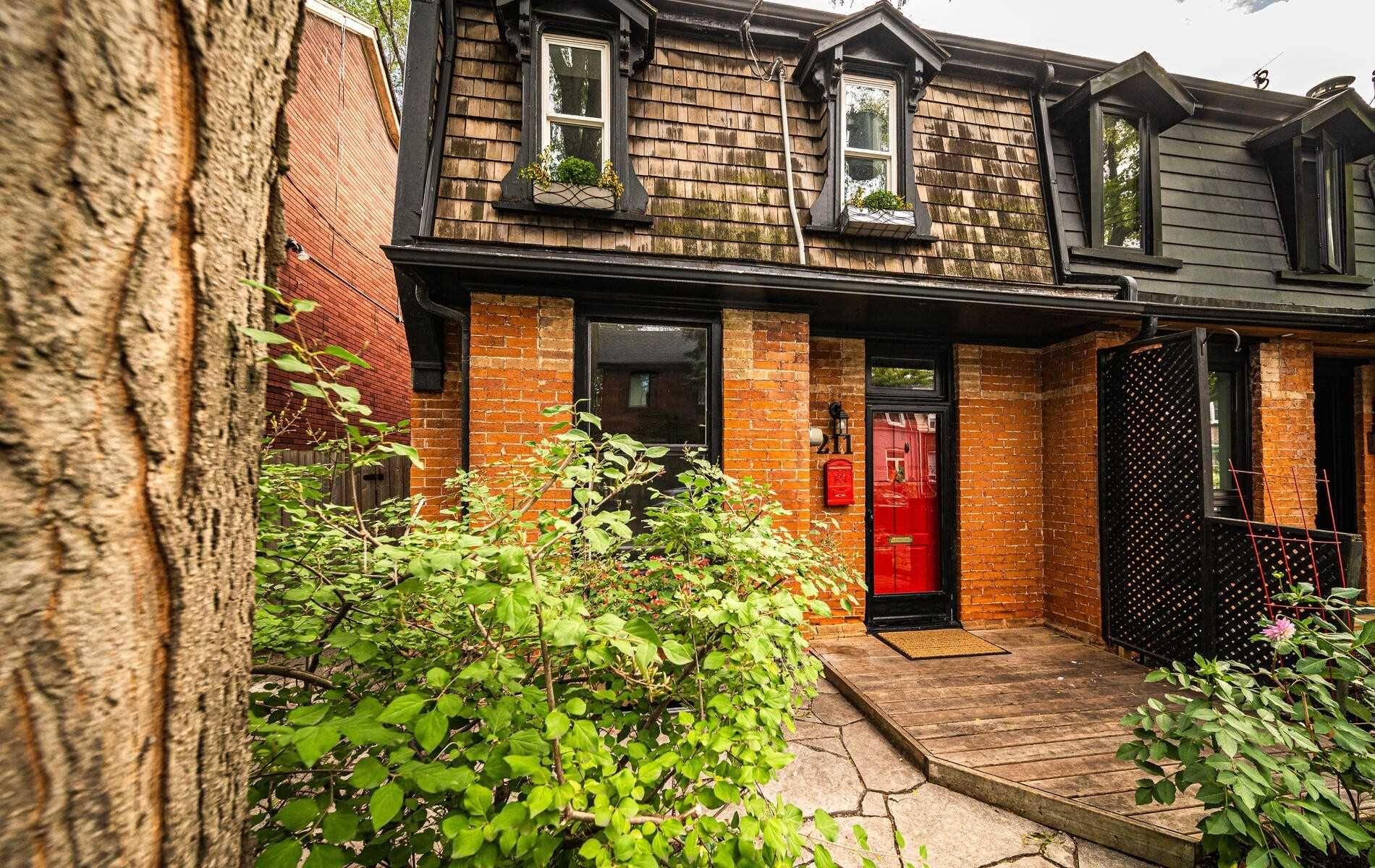 Main Photo: 211 Hamilton Street in Toronto: South Riverdale House (2-Storey) for sale (Toronto E01)  : MLS®# E5369251