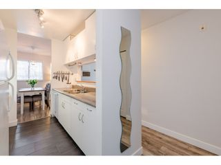 "Photo 11: 304 15991 THRIFT Avenue: White Rock Condo for sale in ""THE ARCADIAN"" (South Surrey White Rock)  : MLS®# R2426777"