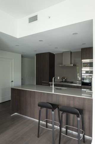 """Photo 3: 405 4908 CAMBIE Street in Vancouver: Cambie Condo for sale in """"PRIMROSE"""" (Vancouver West)  : MLS®# R2624768"""