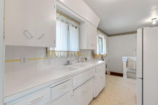 Photo 13: 2328 58 Avenue SW in Calgary: North Glenmore Park Detached for sale : MLS®# A1130448