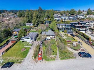 Photo 2: 2463 OTTAWA Avenue in West Vancouver: Dundarave House for sale : MLS®# R2613956