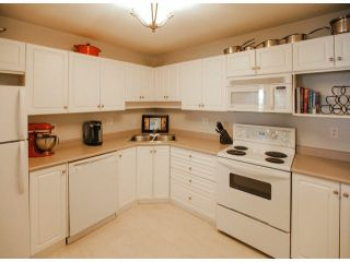 """Photo 4: 303 2435 CENTER Street in Abbotsford: Abbotsford West Condo for sale in """"Cedar Grove Place"""" : MLS®# F1412491"""