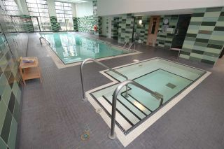 "Photo 14: 606 33 SMITHE Street in Vancouver: Yaletown Condo for sale in ""Coopers Lookout"" (Vancouver West)  : MLS®# R2440133"