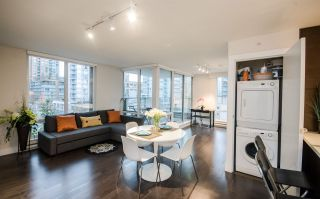 """Photo 7: 604 535 SMITHE Street in Vancouver: Downtown VW Condo for sale in """"DOLCE"""" (Vancouver West)  : MLS®# R2131310"""