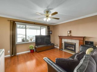 Photo 9: 1124 DANSEY Avenue in Coquitlam: Central Coquitlam House for sale : MLS®# R2589636