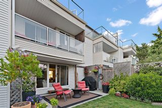 Photo 2: 3 331 Robert St in : VW Victoria West Row/Townhouse for sale (Victoria West)  : MLS®# 883097
