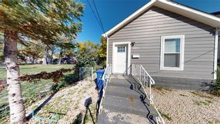 Photo 2: 383 Pacific Avenue in Winnipeg: House for sale : MLS®# 202121244