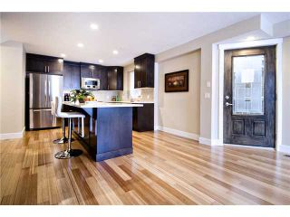 Photo 3: 2 2020 27 Avenue SW in CALGARY: South Calgary Townhouse for sale (Calgary)  : MLS®# C3503485