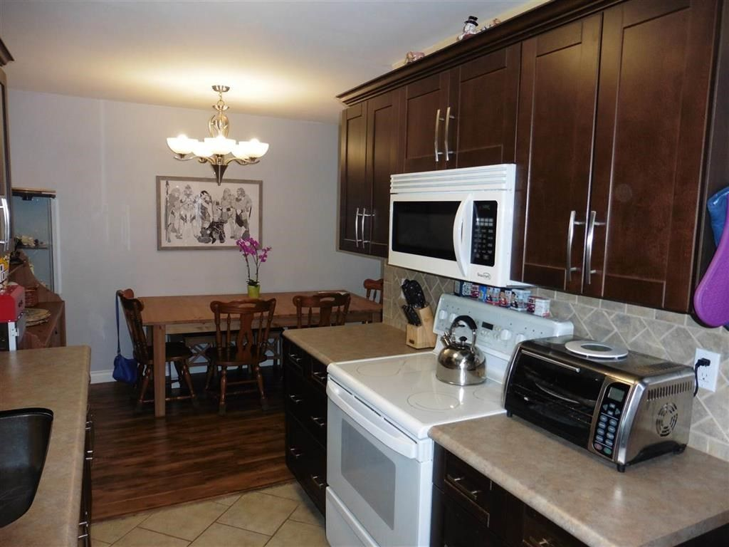 """Photo 5: Photos: 337 9101 HORNE Street in Burnaby: Government Road Condo for sale in """"WOODSTONE PLACE"""" (Burnaby North)  : MLS®# R2330471"""