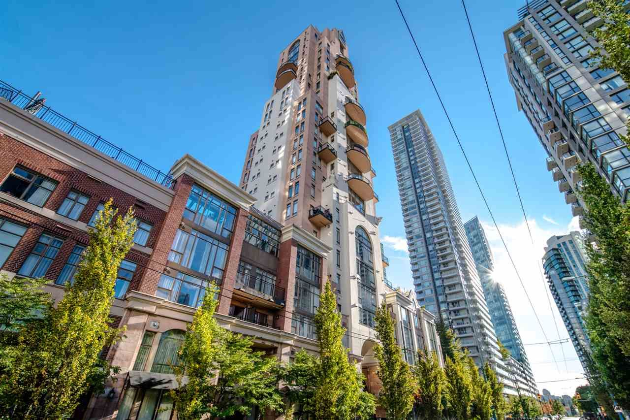"""Main Photo: 1288 RICHARDS Street in Vancouver: Yaletown Townhouse for sale in """"THE GRACE"""" (Vancouver West)  : MLS®# R2536888"""