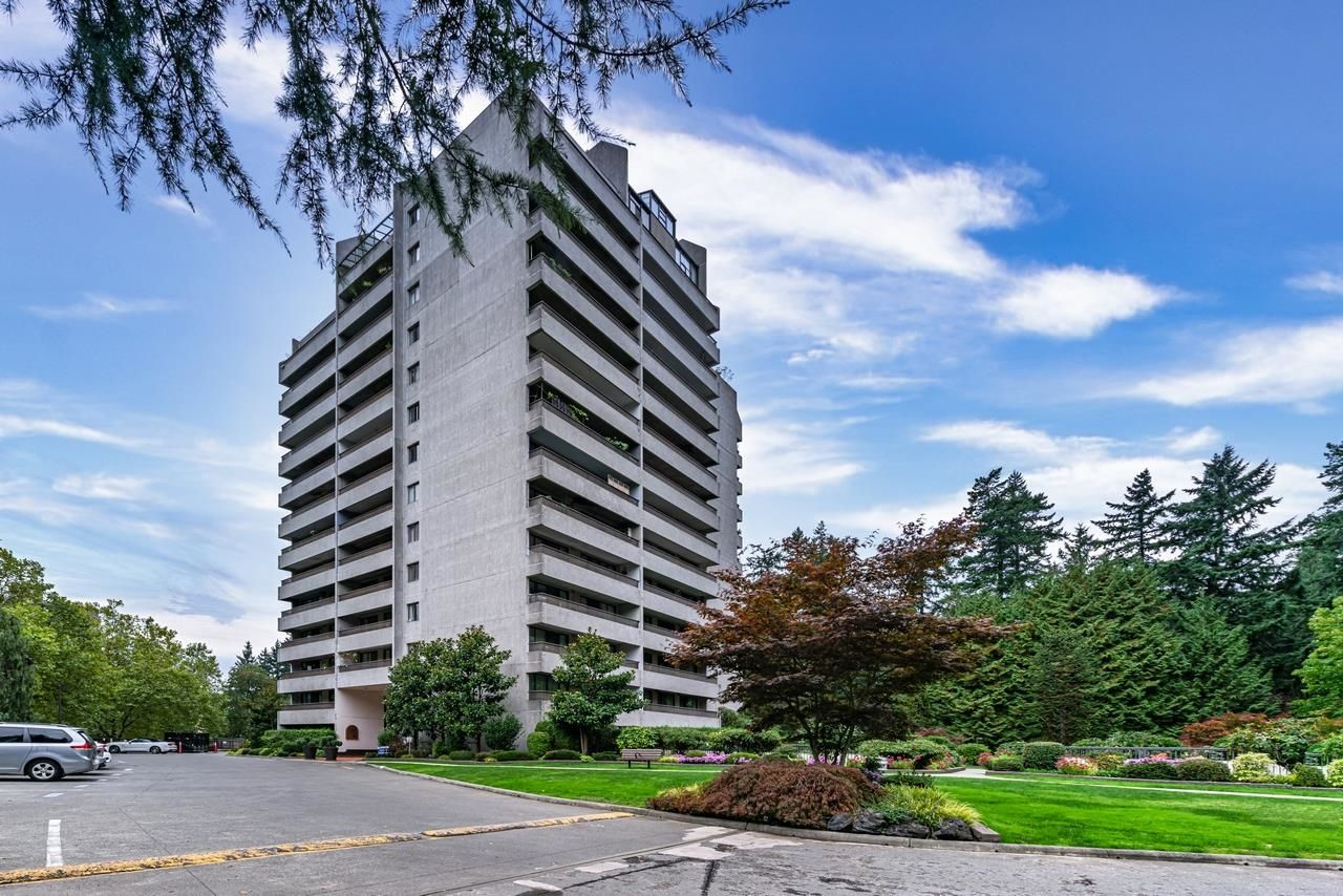 Main Photo: 505 4194 MAYWOOD Street in Burnaby: Metrotown Condo for sale (Burnaby South)  : MLS®# R2620311