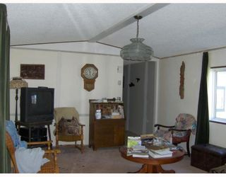 """Photo 6: 27 5125 NORTH NECHAKO Road in Prince_George: Nechako Bench Manufactured Home for sale in """"EVERGREEN TRAILER PARK"""" (PG City North (Zone 73))  : MLS®# N176575"""