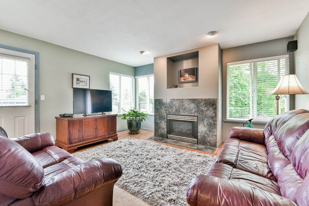 Photo 9: Photos: 6103 190 Street in Surrey: Cloverdale BC House for sale (Cloverdale)  : MLS®# R2269970