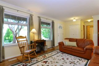 """Photo 3: 1851 129 Street in Surrey: Crescent Bch Ocean Pk. House for sale in """"Ocean Park"""" (South Surrey White Rock)  : MLS®# R2293951"""