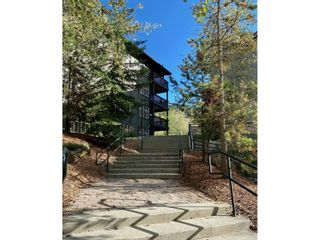 Photo 4: 302 - 2060 SUMMIT DRIVE in Panorama: Condo for sale : MLS®# 2461113