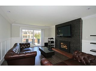 Photo 2: 7357 CULLODEN Street in Vancouver: South Vancouver House for sale (Vancouver East)  : MLS®# V1096878