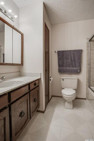 Photo 13: 363 Crean Crescent in Saskatoon: Lakeview SA Residential for sale : MLS®# SK861282